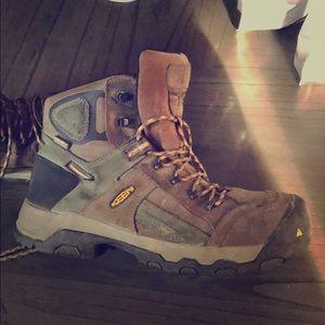 Waterproof/Steel toe Keens